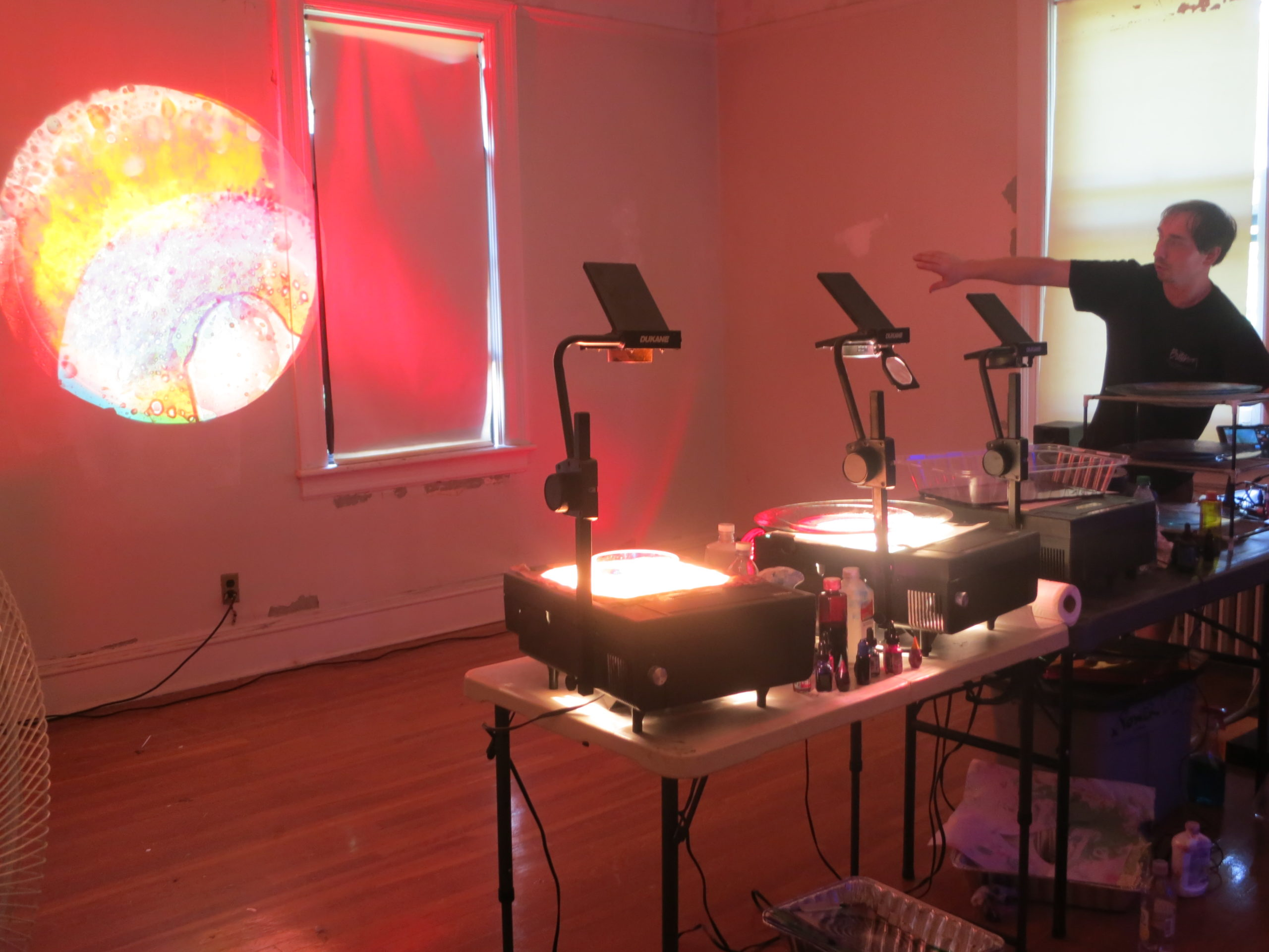 Steve Pavlovsky giving a Light Light Lab workshop at the HoloCenter on Governors Island